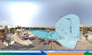 ITALY - Marina di Pietrasantai (LU), piscina sul tetto dellhotel ...