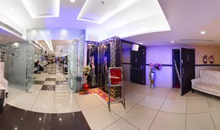 Dee pearl D mall Rohini   by RaviSethi(www.lifeexpression.in)