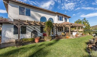 Newbury Park Stunning View Estate - Yard and Views