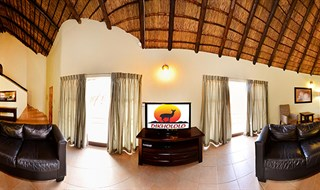 DIKHOLOLO GAME RESERVE 4 BEDROOM UNIT