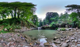 Derazkesh Waterfall