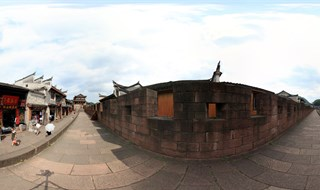 360 degree travel of East Gate to North Gate Wall