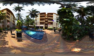 Open Pool Restaurant - 360 Degree View