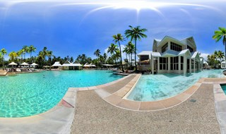Peter Dambiec at Sheraton Mirage_Port Douglas Queensland AU