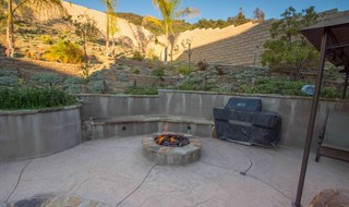 Newbury Park Pool Home For Sale Jeffrey Diamond Realtor Berkshire Hathaway - Firepit