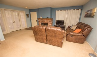 Simi Valley California End Unit 3 Bedroom Town Home by Jeffrey Diamond Realtor Berkshire Hathaway